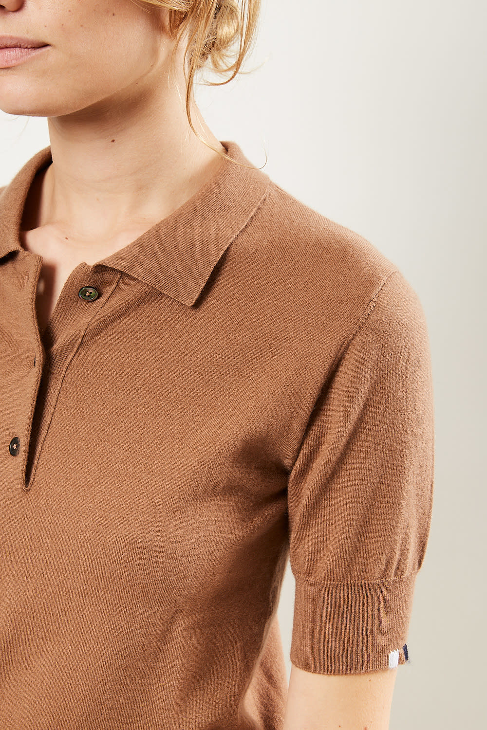 extreme cashmere - No93 fitted polo tan