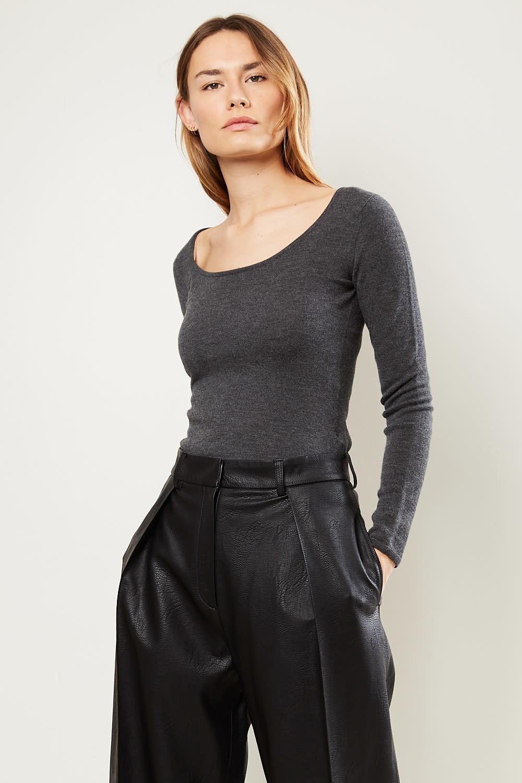 Drae - Wool u-neck knit sweater