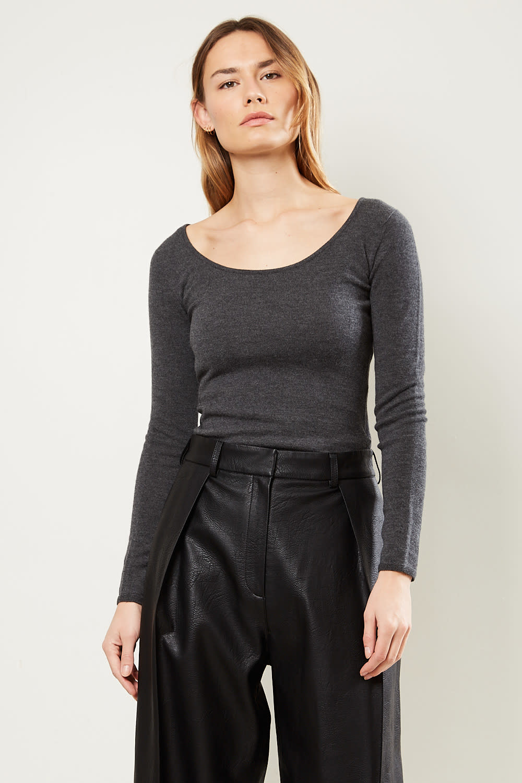 Drae Wool u-neck knit sweater