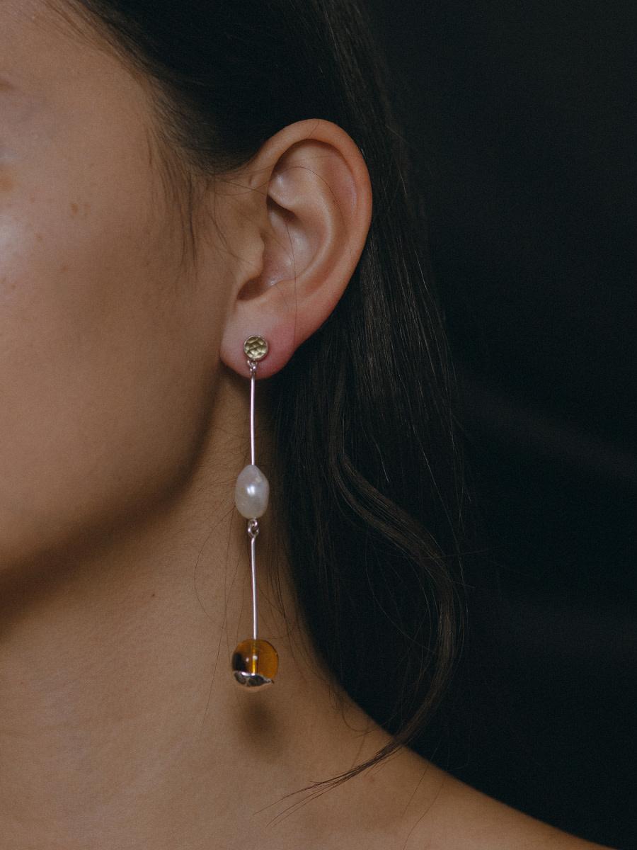 Faris - Lila earring