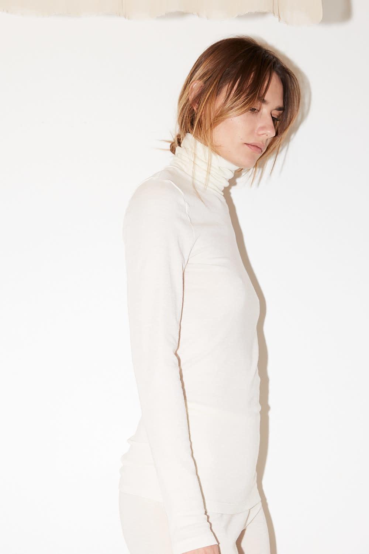 hanro - turtle Neck woolen silk shirt cygne