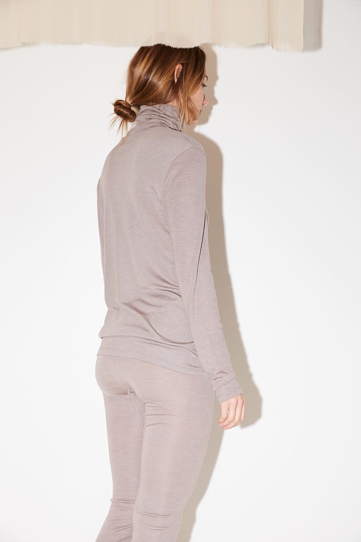 hanro - Turtle Neck woolen silk shirt vintage taupe