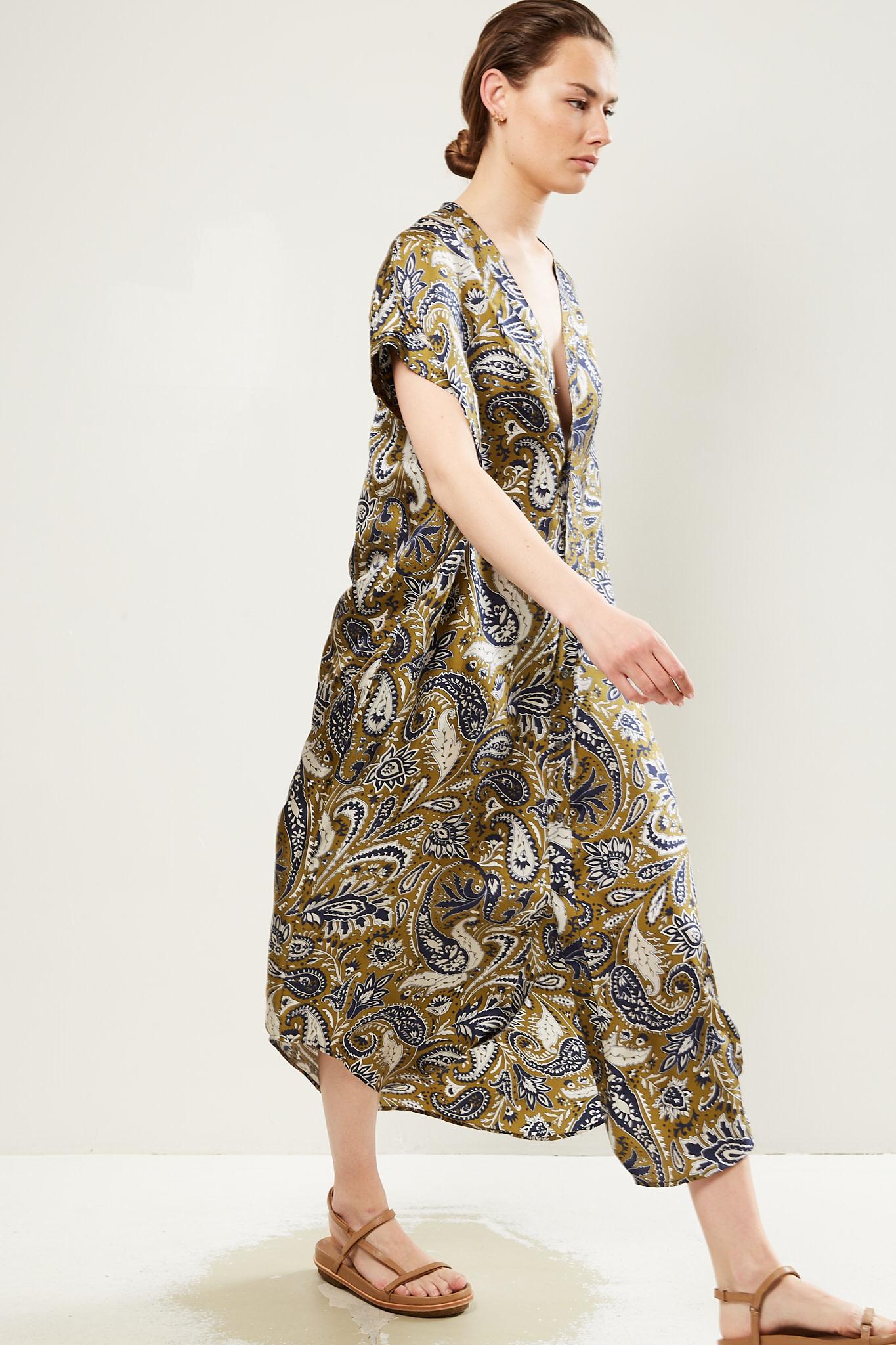 bananatime V dress jumbo paisley shirt