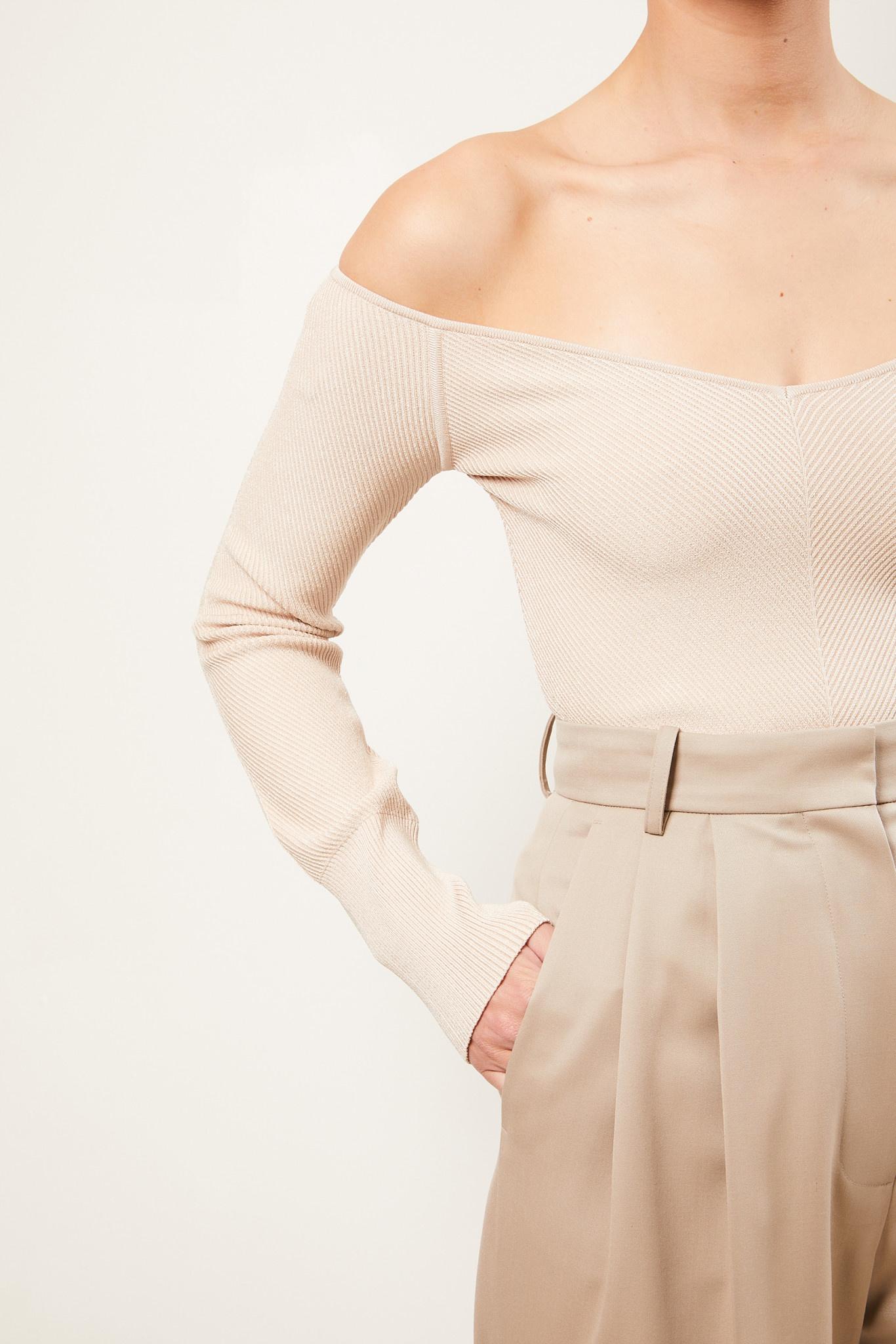 Gauge81 - Beas off shoulder knitted top