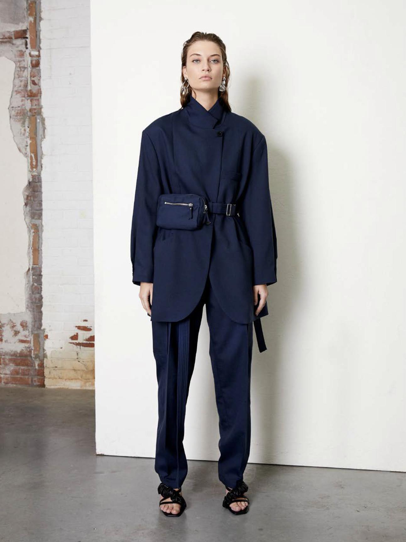 <strong>FRENKEN</strong>drop out light wool suiting blazer
