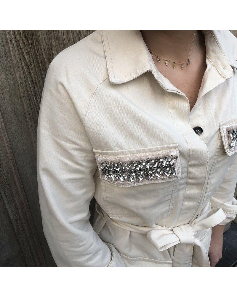 Beige dress met steentjes en riem