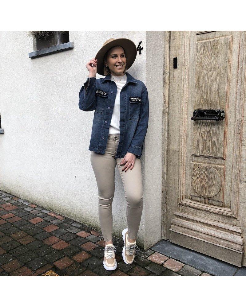 Jeansjas met steentjes