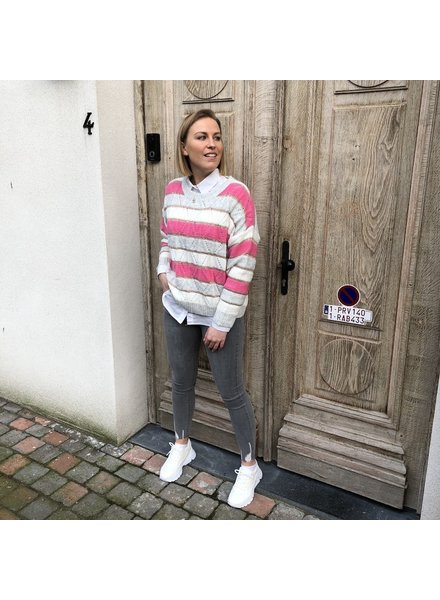 Grey/fuchsia striped jumper