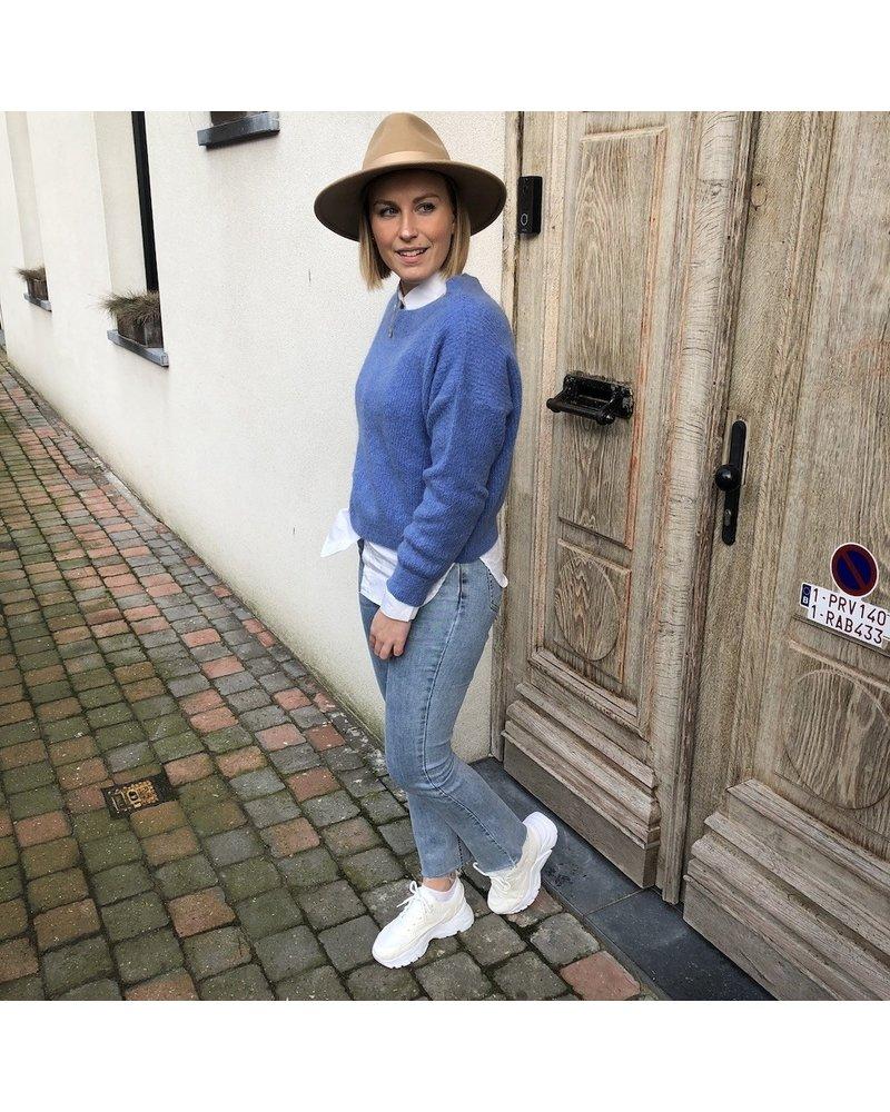 Gebreide trui pastelblauw