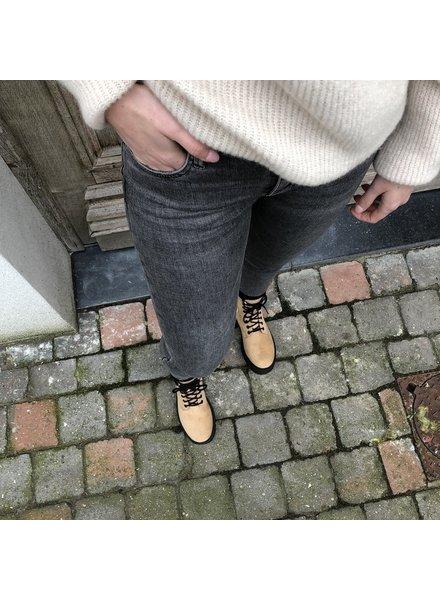 beige suède boots