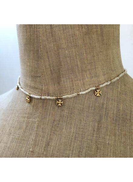Cream necklace 1