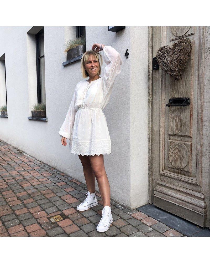 NA-KD vanilla lace dress