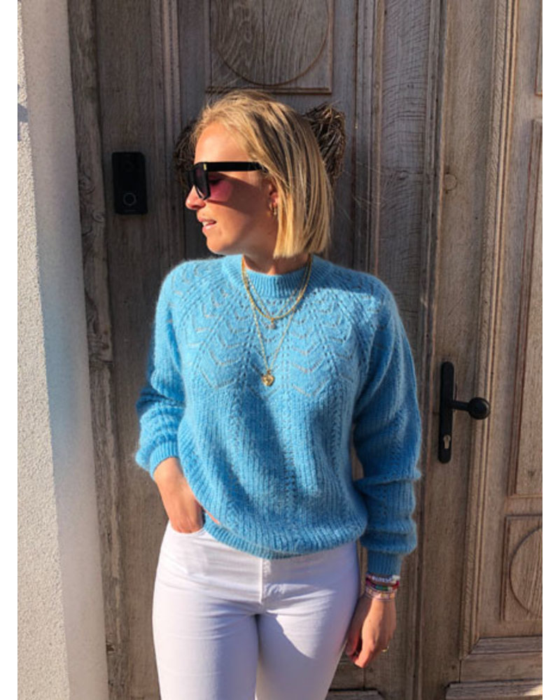 Soft summer knit turquoise