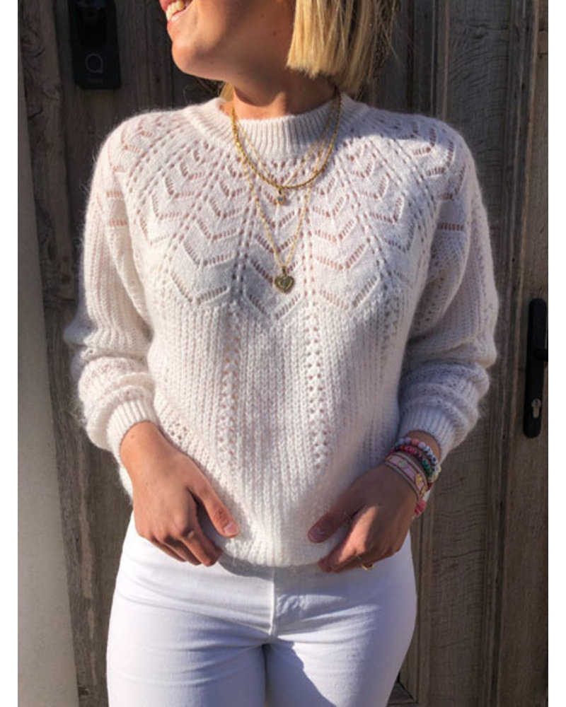 Soft summer knit white