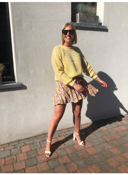 Soft summer knit yellow