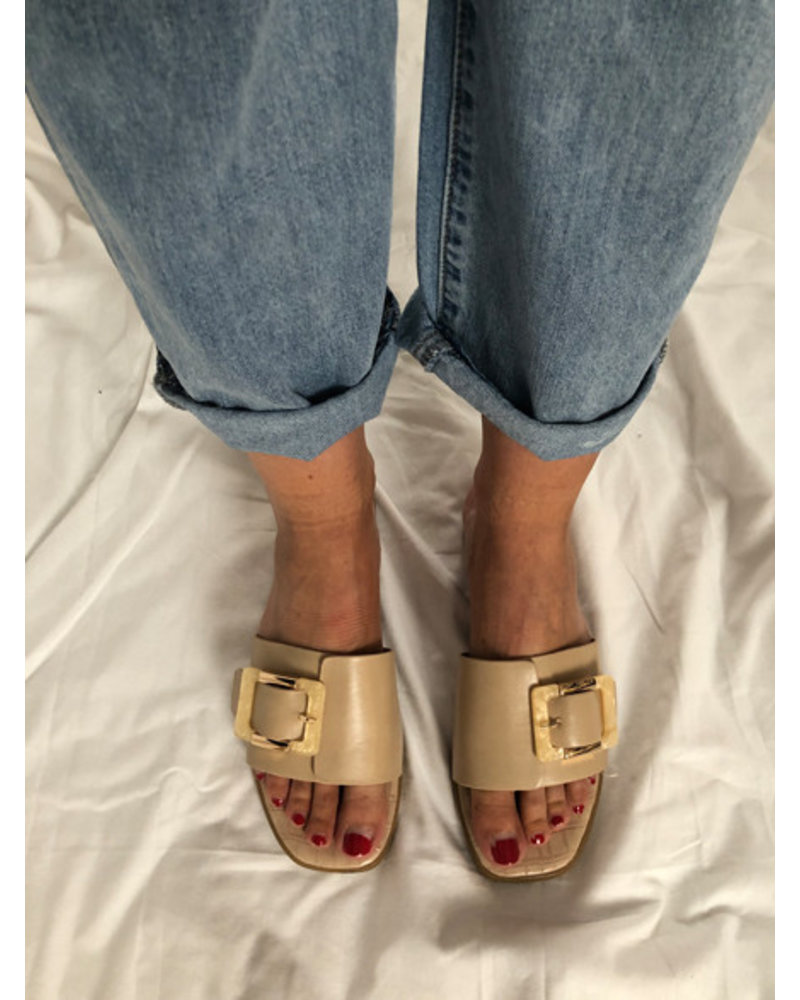 Sand slippers