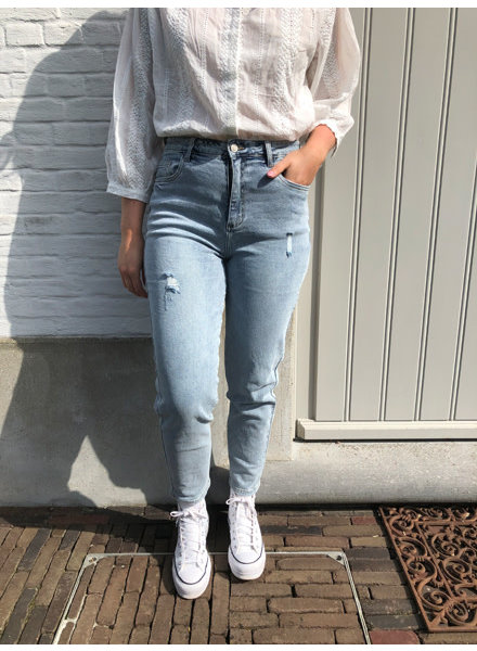Straight washed jeans