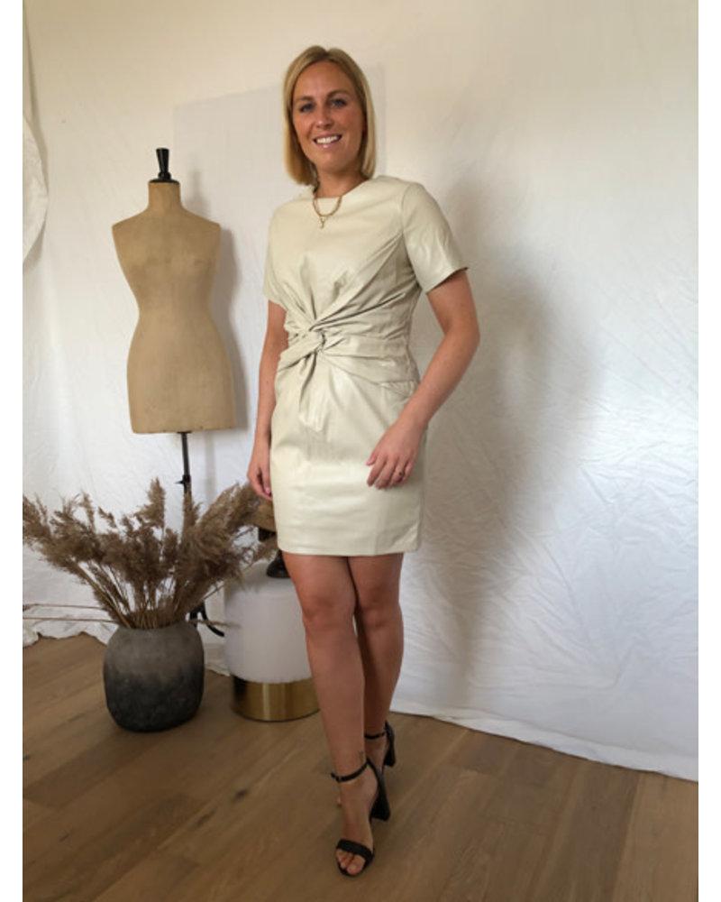 Leatherlook dress cream