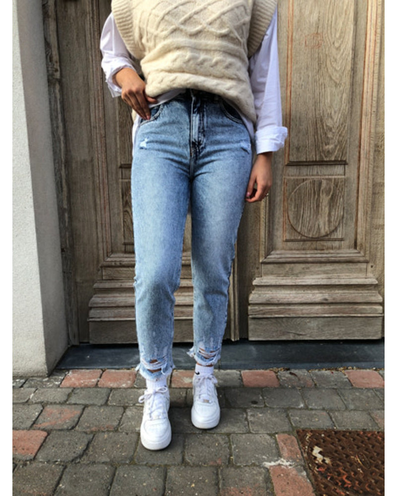 Blue washed detail jeans