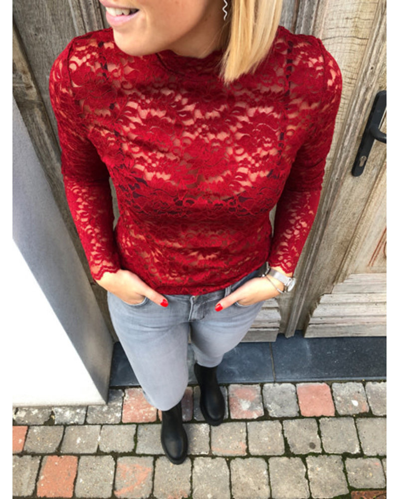 Lace top red