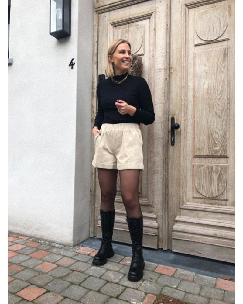 Beige shorts corduroy