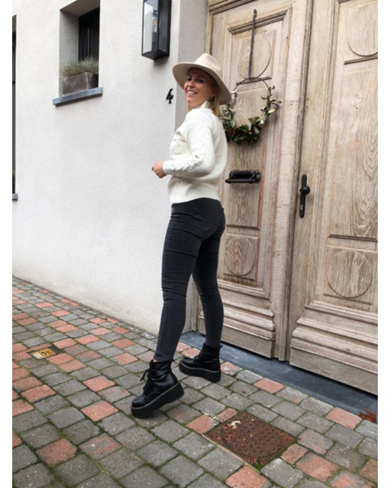 Dark grey pdp jeans