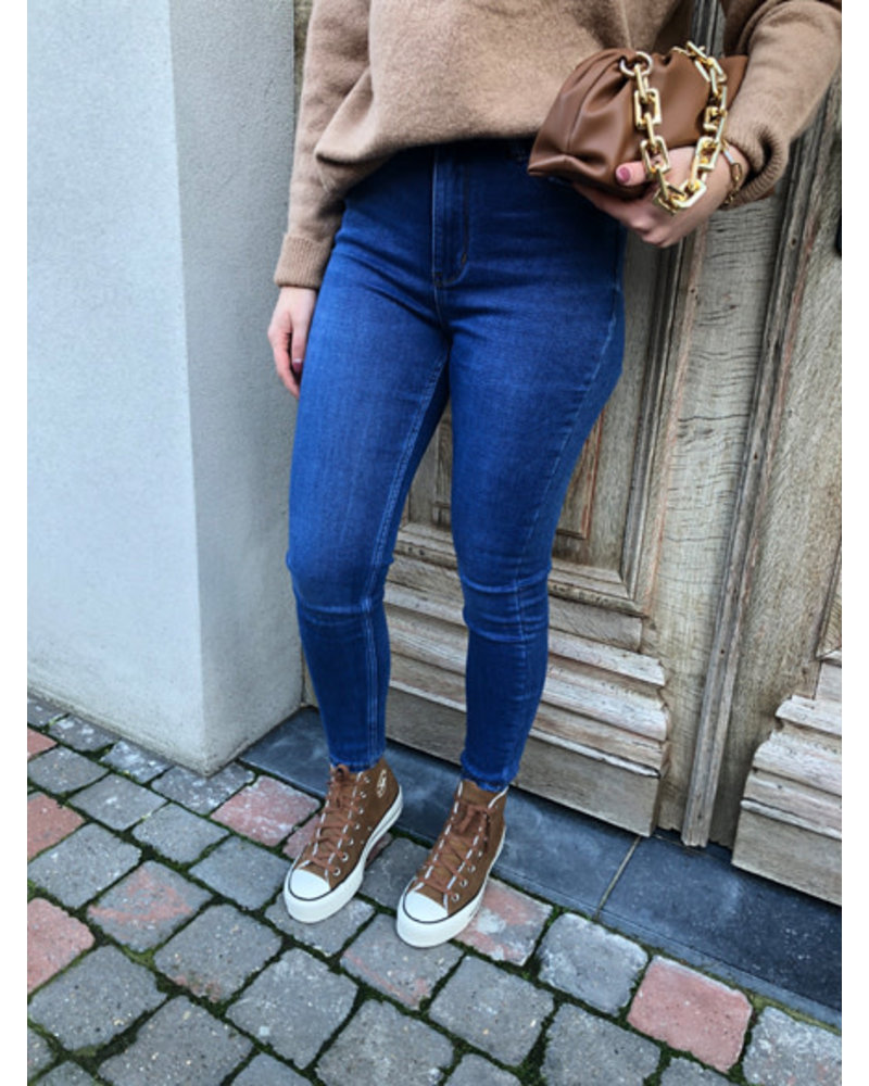 Sapphire jeans