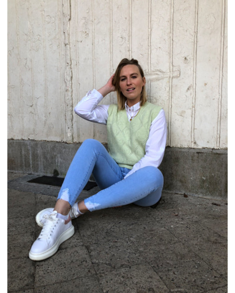Clara jeans is it spring yet