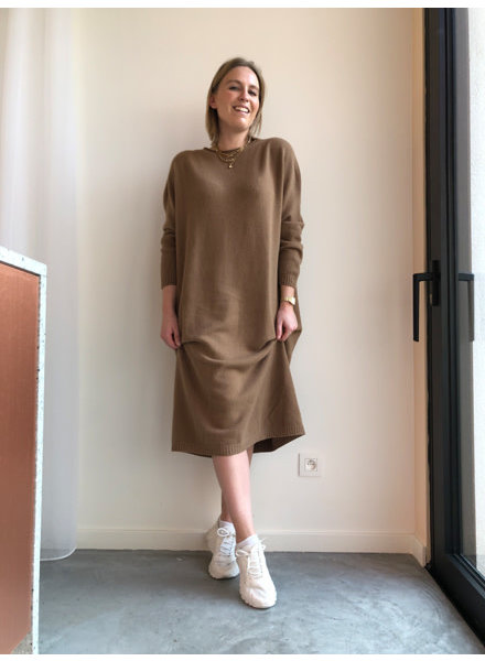 Alicia dress camel