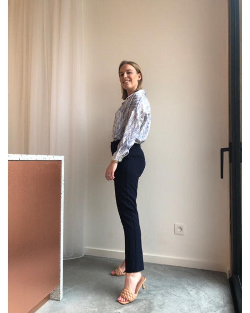 Julia heels nude