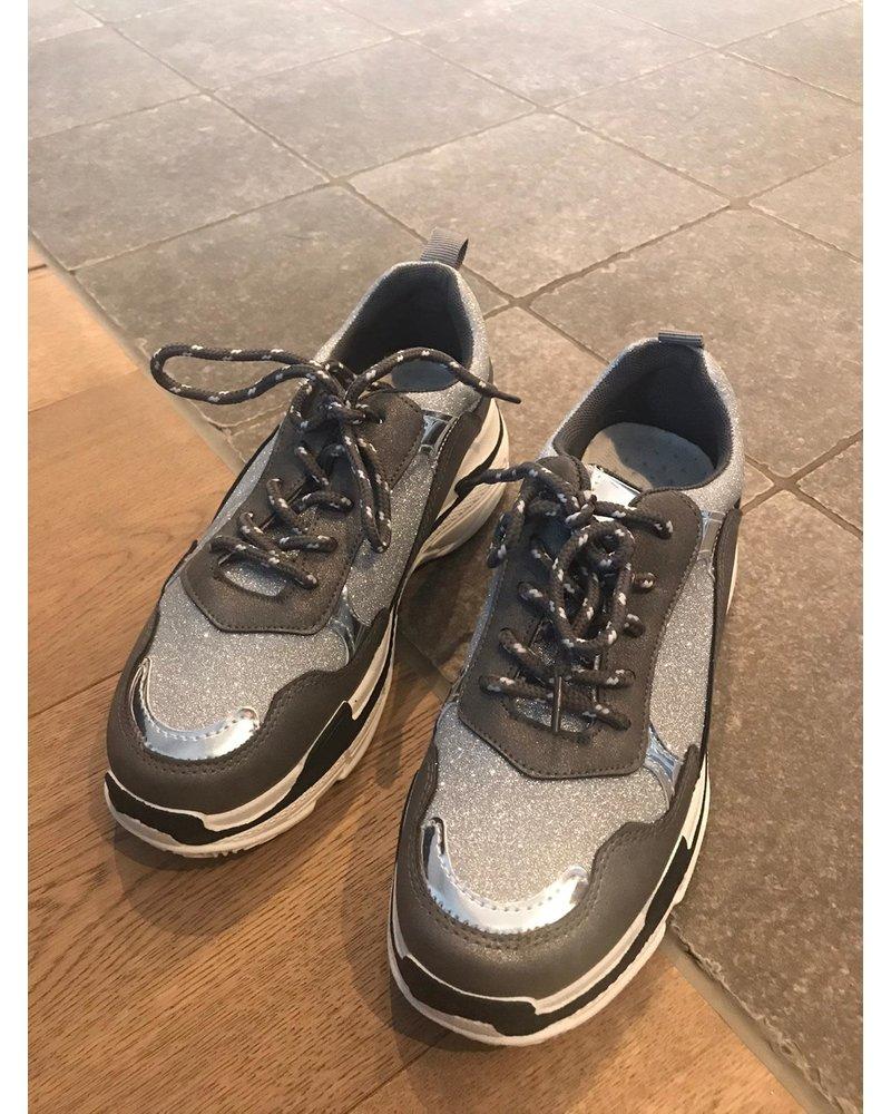 Sneaker sparkling silver