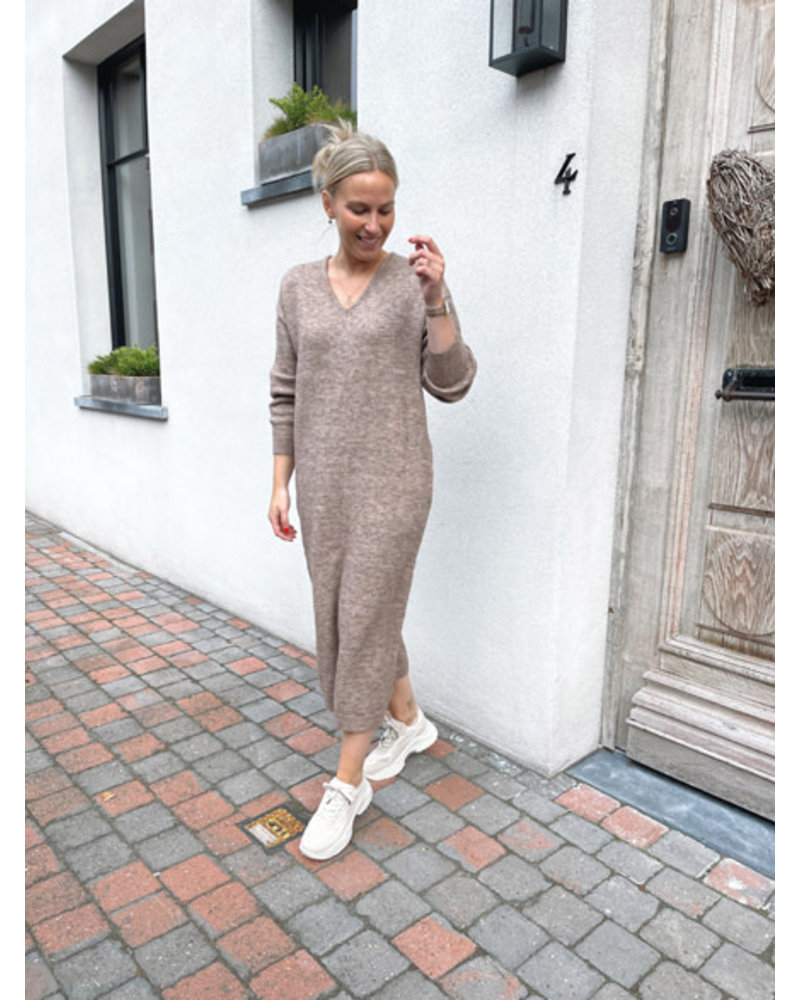Ibe knitted dress taupe