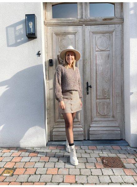 Tiele knit brown