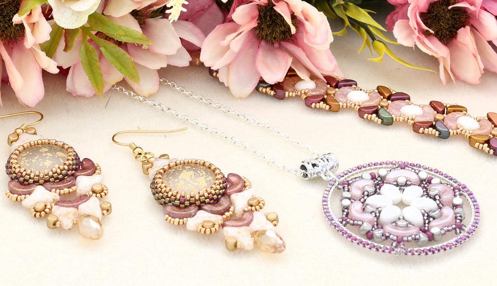Tre nuovi Kit: orecchini, pendente e braccialetto con perline Les Perles par Puca® Paris