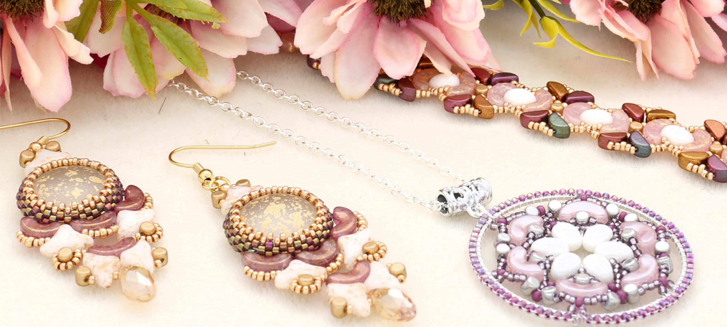 Trois nouveaux kits: boucles d'oreilles, pendentif et bracelet avec perles Les Perles pour Puca® Paris