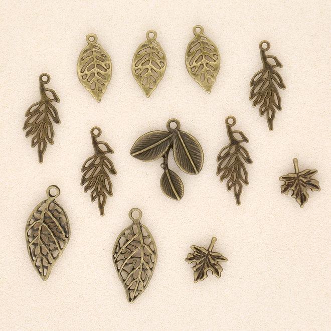 Charm-Anhänger Set mit 12 verschiedenen Blättern