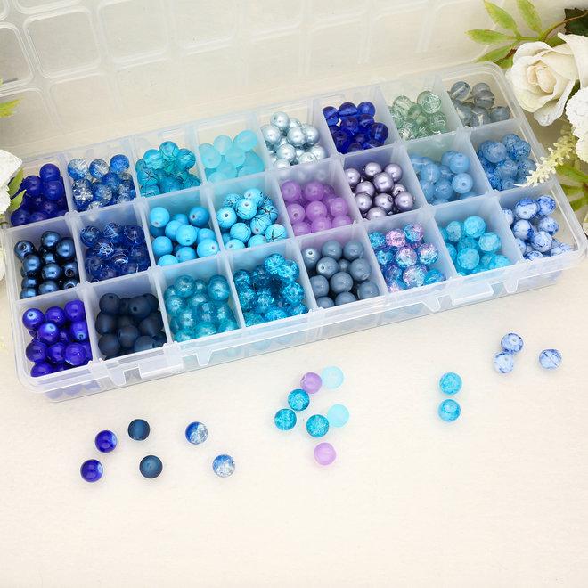 Box mit Sortiment von 24 runden Glasperlen 8 mm - Blue mix