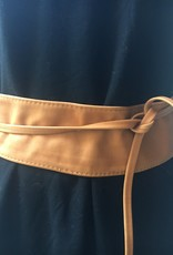 Giuliano Wide leather belt, smaller belts to close in the waist