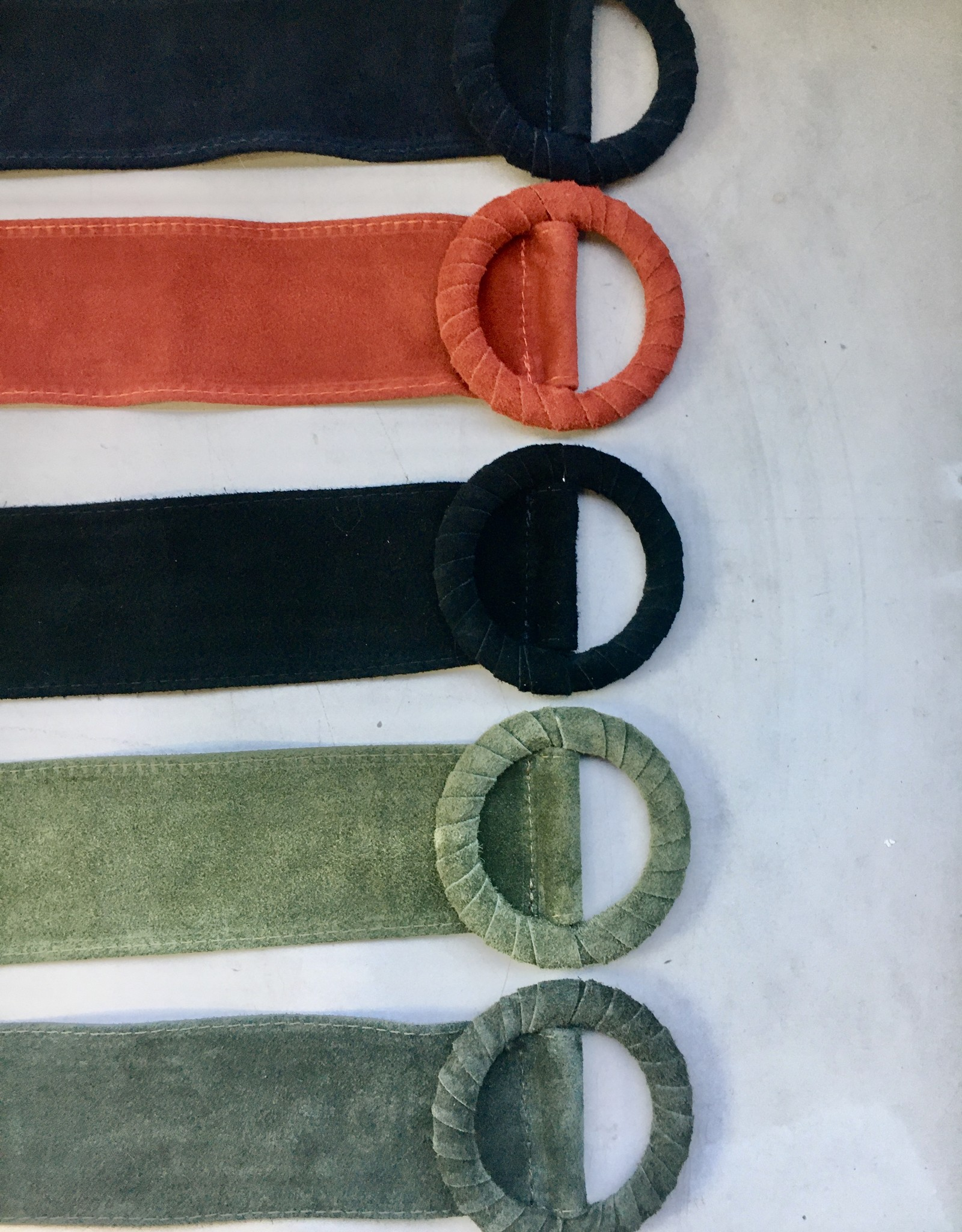 Giuliano Wide buckskin leather belt with buckle, different colors