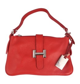Leather bag in different colors