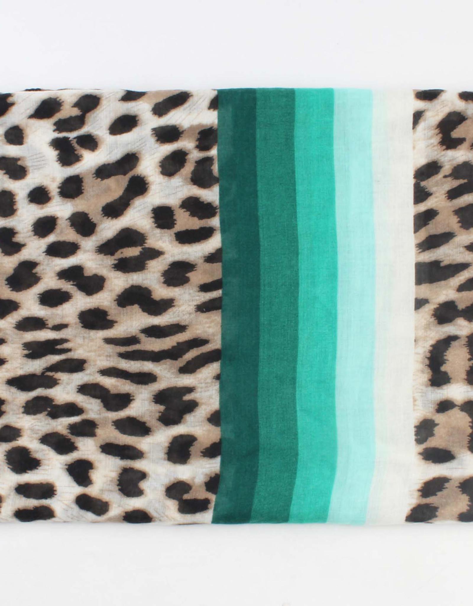 Shawl leopardprint with green stripes