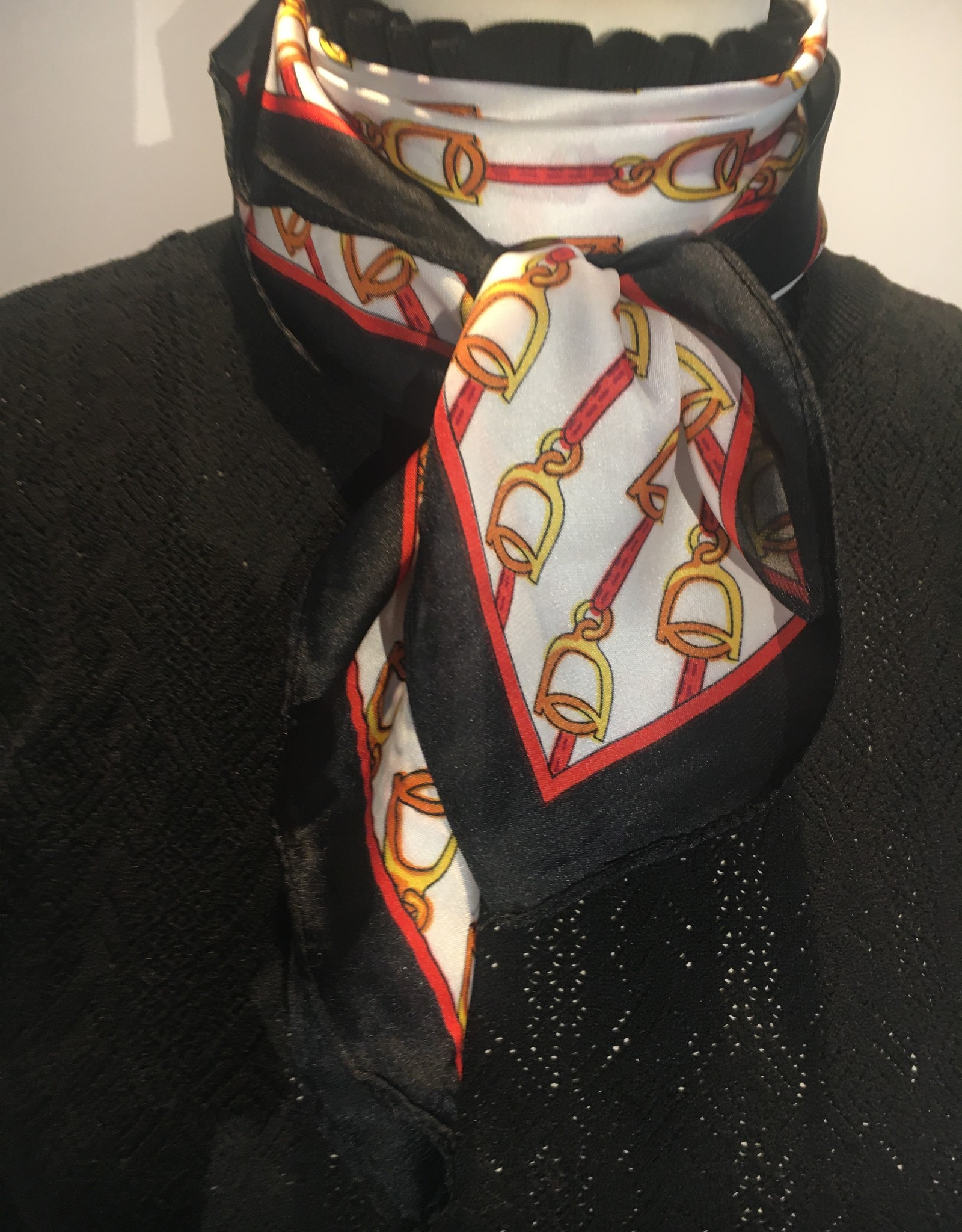 Bandana in satin black/white and red with stirrups