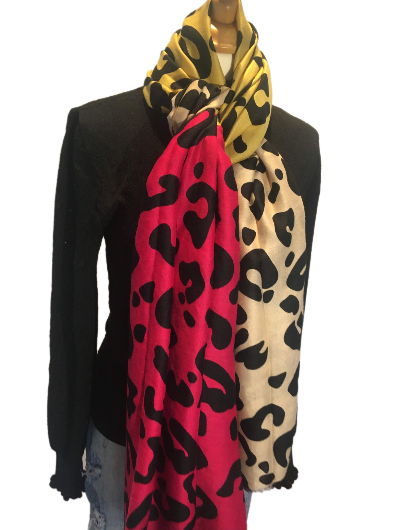 Scarf with leopardprint and fuchsia, yellow  and camel