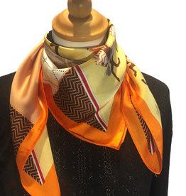 Bandana in satin, orange with print