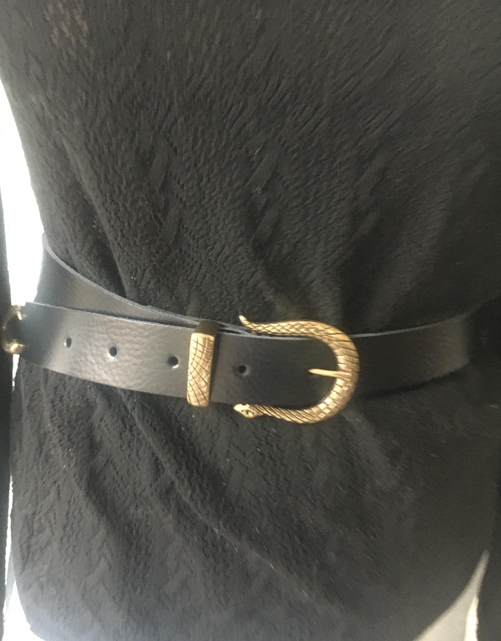 Leather belt snake buckle