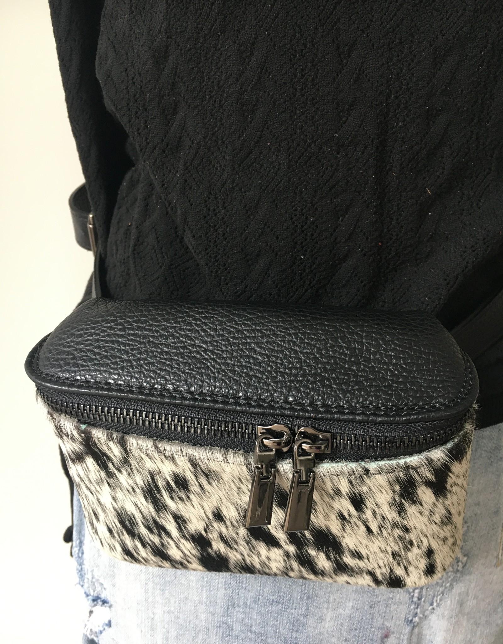 Hip bag in furry black/white print