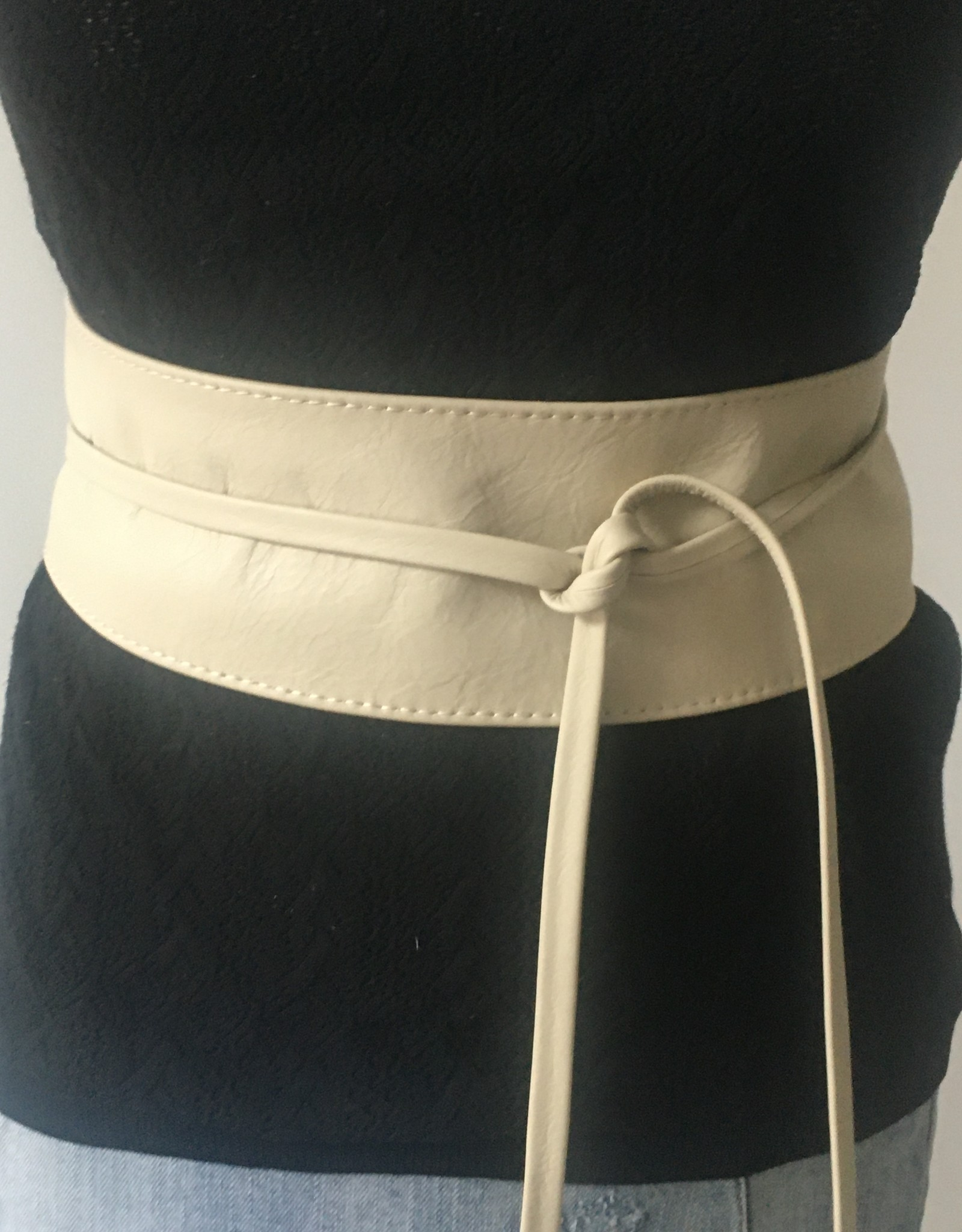 Wide leather belt, several colors
