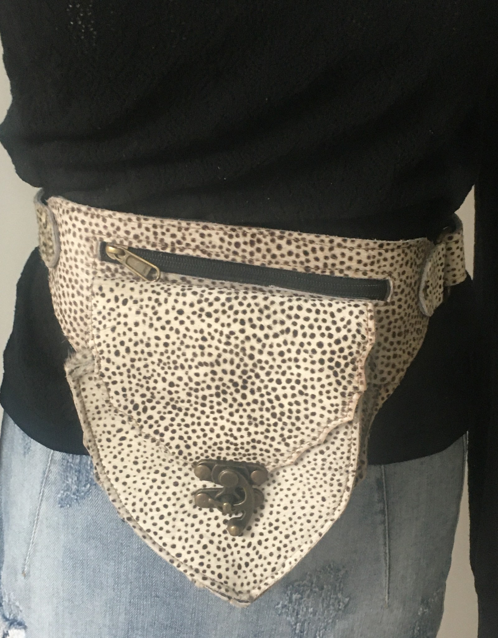 Leather hipbag with dotmotive.