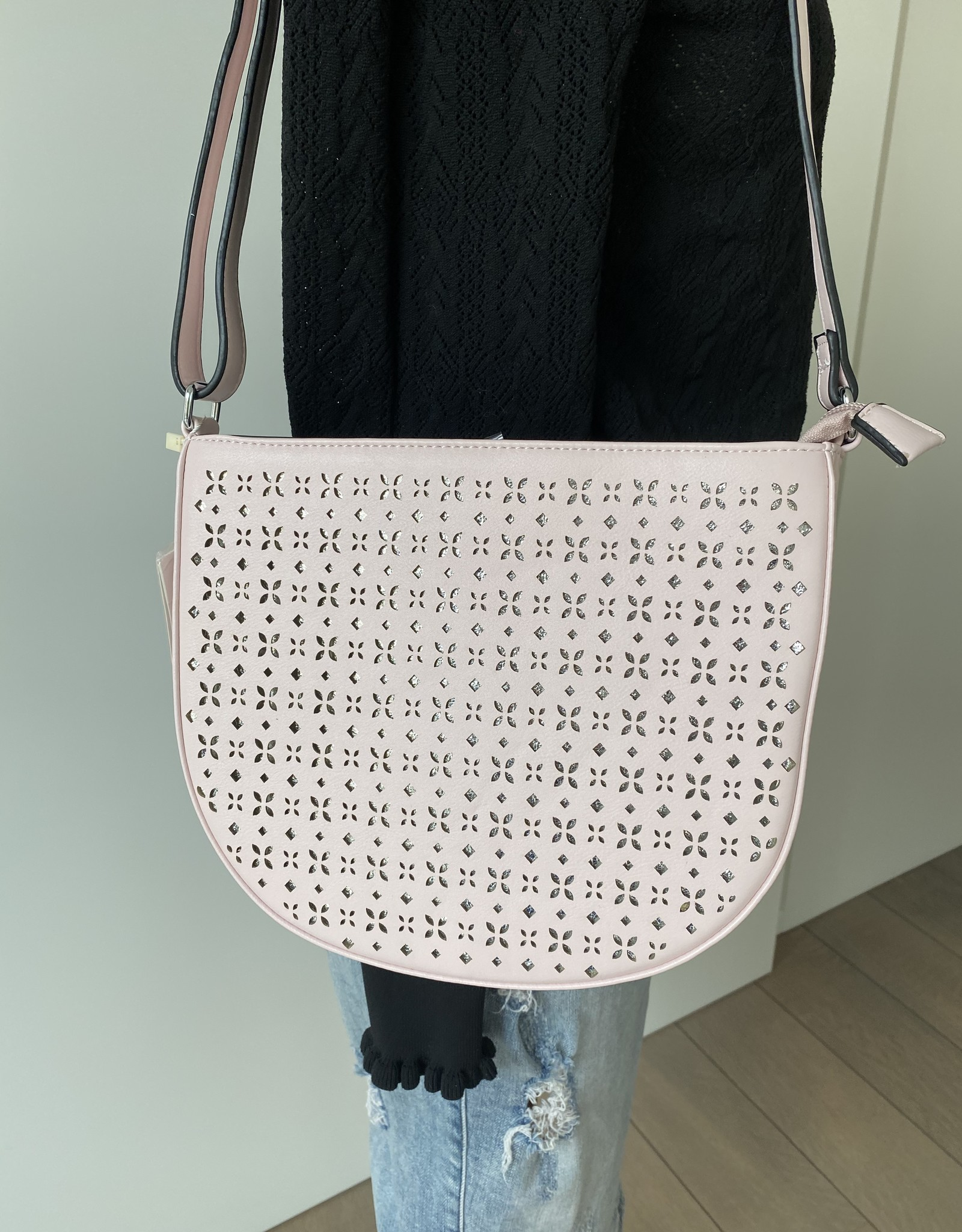 Bag in artificial leather with flowerdesign