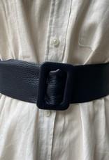 Giuliano Lederen brede riem met rechthoekige doortrekgesp